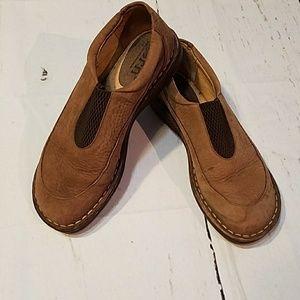 Born leather slip ins size 8